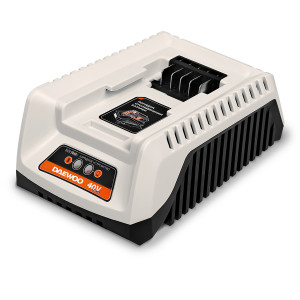 Универсальное зарядное устройство DAEWOO DACH 2040Li